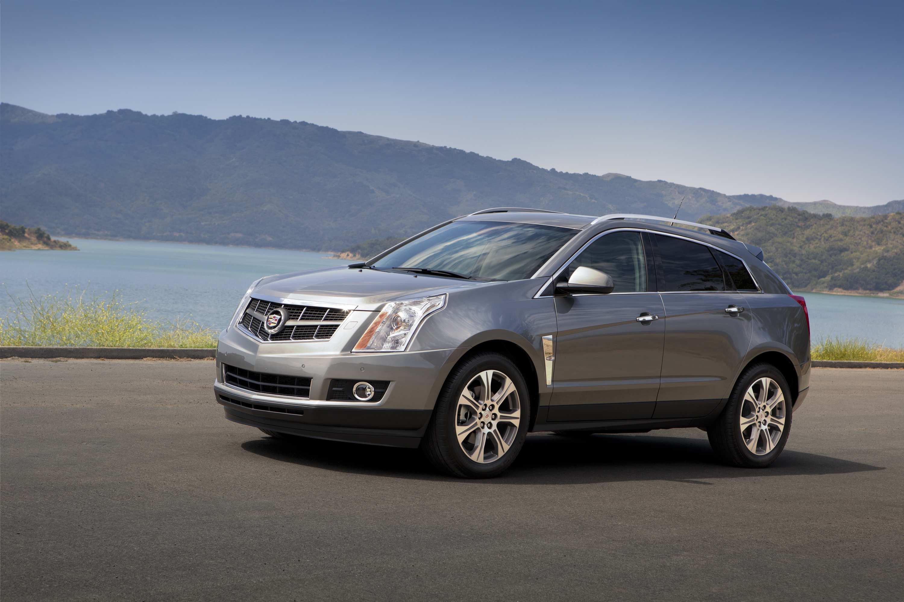 Cadillac SRX Source: (C) GM Corp.