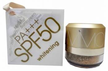 Sunscreen powder: Natural Whitening Mineral Powder Sunscreen SPF 50/PA+++, Japan